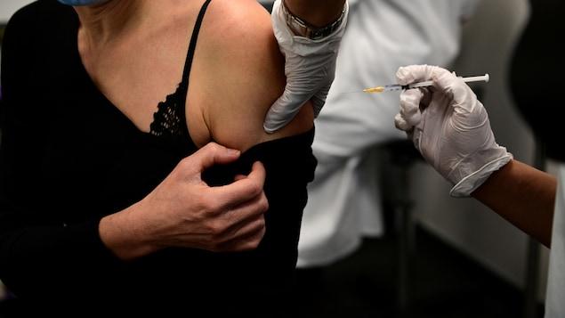 Vaccination contre la COVID-19.